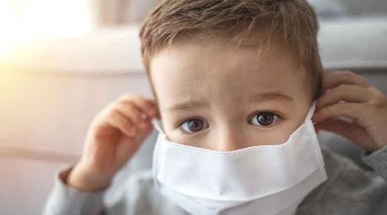 چه کسانی نباید ماسک بزنند؟ / کودکان ماسک نزنند
