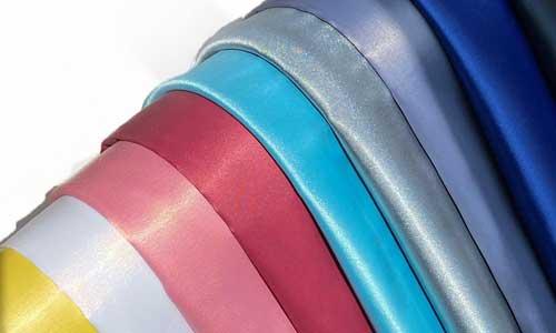 ساتن: پارچه ساتن نوعی پارچه براق است که برای تولید شومیز و خرجکار استفاده میشود.